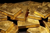 Gold Prices Stable Amid Strong Dollar