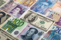 Euro Advances, Dollar Stable Amid Political Developments
