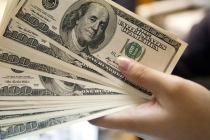 Dollar Rebounds after Sliding Earlier on U.S. Government Shutdown