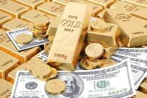 Gold Prices Climb on Weak Dollar