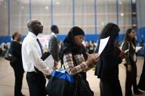 Число заявок по безработице в США снизилось до минимума 5 недель