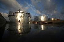 Запасы нефти в США упали