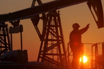 Oil on Steady Footing after Posting Steep Decline