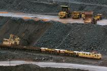 Китай допустит иностранцев к торговле фьючерсами на железную руду с 4 мая