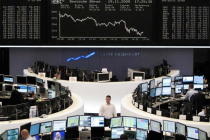 European Markets Drop as Political Issues Persist