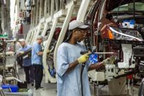 США: темпы роста производства снизились; как отреагирует ФРС