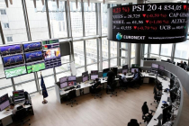 European Markets Mostly Higher as Trade War Concerns Ease; Italian Stocks Drop
