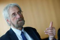 ECB's Praet Hints Talks of Exiting QE Program in June Meeting