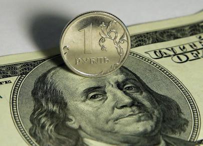 Внимание на USD/RUB: число наблюдающих за курсом валют выросло в разы