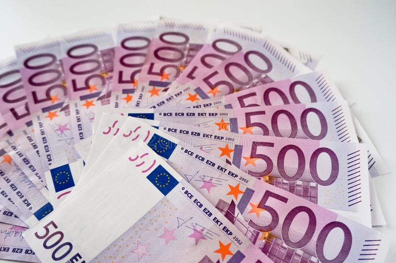 Самый длинный евродолг России – «первая ласточка» в госзаимствованиях