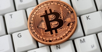 Власти РФ обеспокоены ростом популярности виртуальных валют